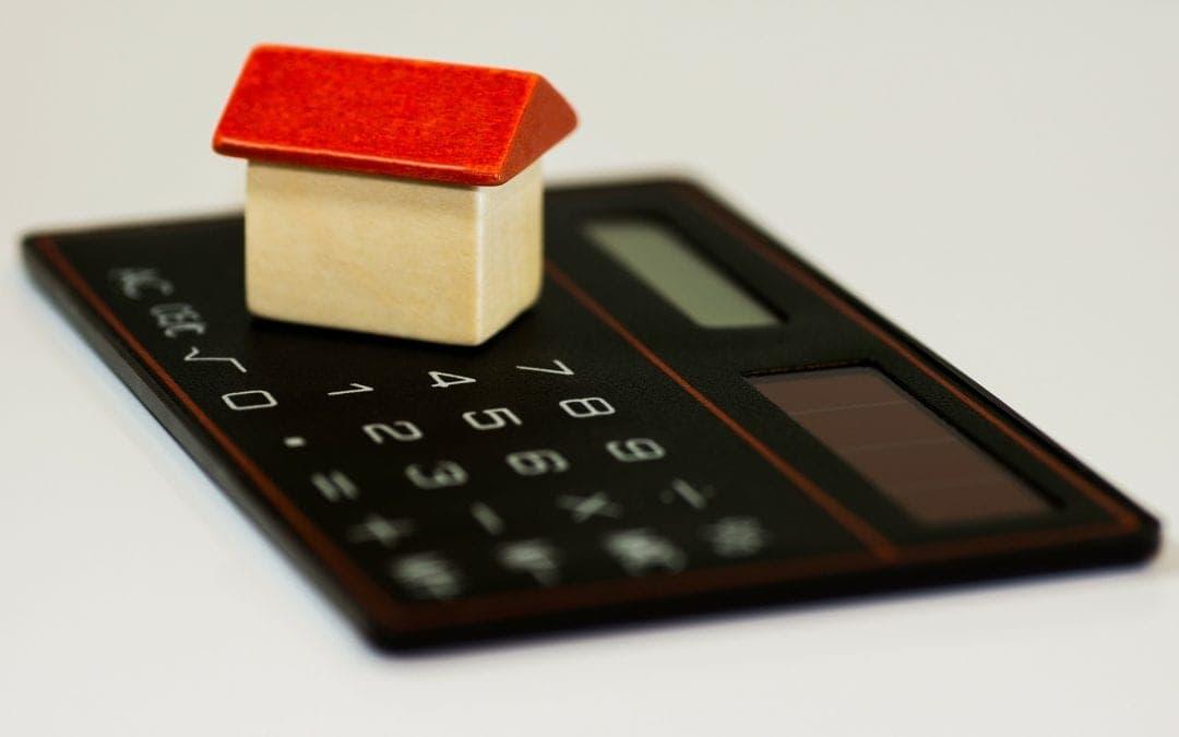Parler du logement en A2 : deux maisons – deux familles